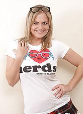 Victoria loves nerds