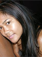 Amateur Thai Girl Spreading Nude - Mia