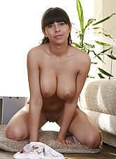 Goddess with gorgeous natural tits shows off