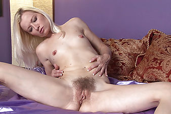 Heidi wants to show you how she works it! She lays back on the bed and finger fucks  her juicy pussy over and over again until cumming loudly.