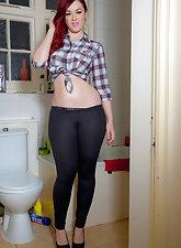 redhead teen Jessica exposing her big boobies