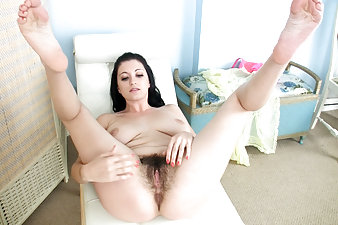 Brook Scott's hairy afternoon delight